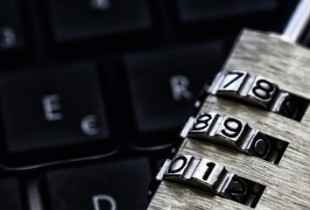 Europol-Direktor Rob Wainwright beklagt gegenüber dem Sender BBC den zunehmenden Einsatz von Kryptosoftware, welche seiner Behörde die Telekommunikationsüberwachung deutlich erschwere.